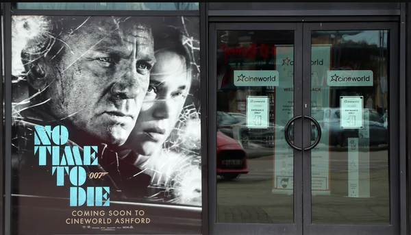 """James Bond: Fans wollen 007-Filmrechte kaufen - mit Crowdfunding-Aktion """"Bond rettet Weihnachten"""""""