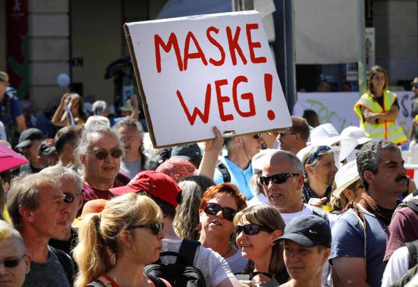 27 Versammlungen in Leipzigs Innenstadt: Polizisten aus neun Bundesländern bei Corona-Großeinsatz