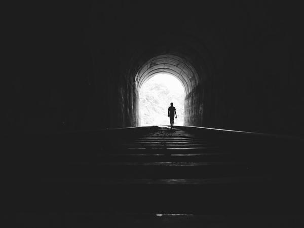 Licht aan het einde van de tunnel.