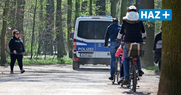 Kontrollen in Hannover: Polizei geht gegen Straßenmusiker vor und beendet Privatfeier