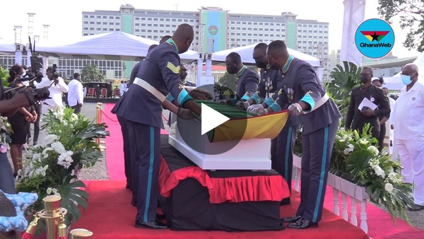 Watch how the casket of Rawlings' mother was opened