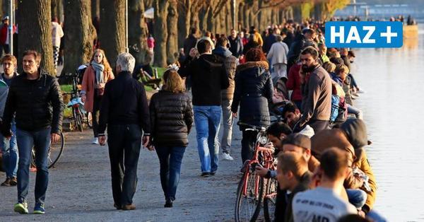 Maschseeufer zu voll: Polizei Hannover verzichtet auf Corona-Strafen und setzt auf Lautsprecherdurchsagen