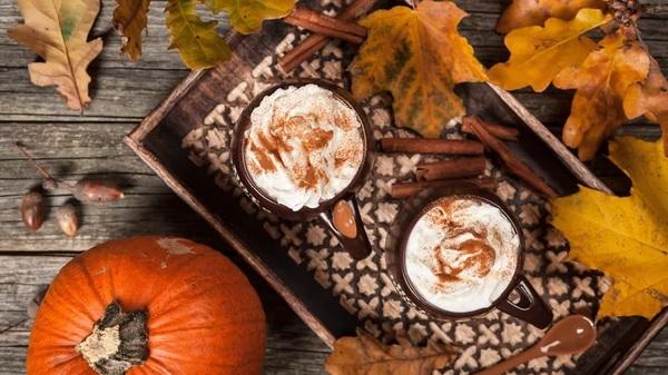 Besonders beliebt ist der Pumpkin Spice Latte im Herbst. Foto: imago