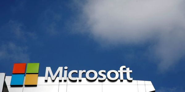 Amazon, Microsoft Dial Up Efforts to Win Telecom Cloud Business