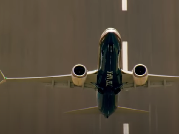 American Airlines is quietly bringing back the 737 Max. Here's why that's disturbing