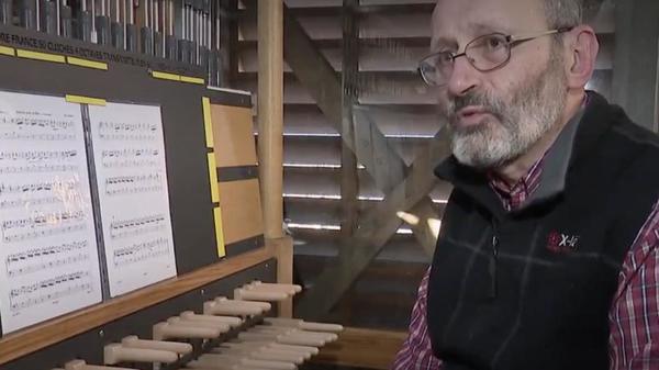 Bergues : chaque midi, un concert de carillon pour redonner le moral aux habitants - Elke middag een beiaardconcert om het moreel van de bewoners op te krikken