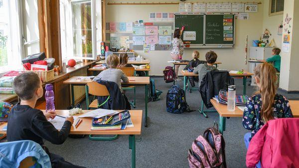 Laut Lehrerverband mehr als 300.000 Schüler bundesweit in Quarantäne