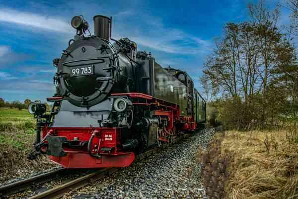"""""""Rasender Roland"""" fährt von Putbus nach Göhren (Rügen). (Foto: Hartmut Heidrich)"""