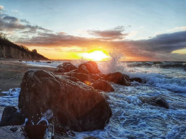 Sonnenuntergang am Strand von Meschendorf bei Rerik. (Foto: Nadine Reichwald)