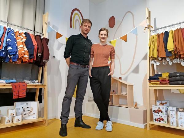 """Juliane Fisch und Jan Fisch-Dose wollen mit """"Fisch&Dose"""" einen Raum der Begegnung in Gohlis schaffen. Foto: Lisa Schliep"""