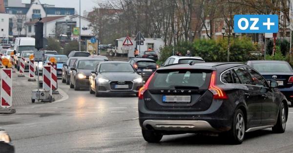 Bauarbeiten auf dem Greifswalder Hansering sorgen für Autostau