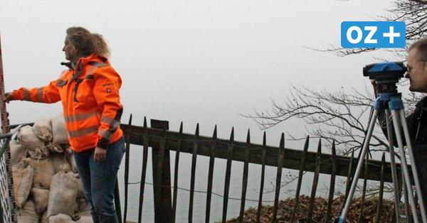 Schweben über Rügens Kreideküste: Sicherheitsprüfung für Plattform an der Victoriasicht