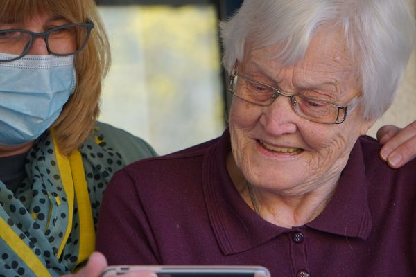 COVID-19 accelerates tech solutions for lonely seniors, addressing 'double pandemic' of isolation