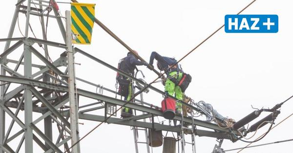 A2 gesperrt - so laufen die Bauarbeiten an der Stromleitung bei Lehrte