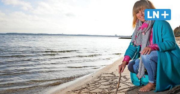 Sandalas am Ostseestrand: Zeichen der Hoffnung