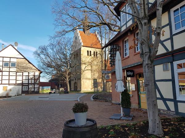 Historische Gebäude: Gehrden ist das erste Etappenziel. (Foto: Bernd Haase)