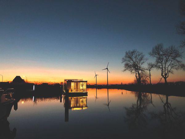 Homeboat, un bateau maison unique - Een unieke woonboot in Nieuwpoort