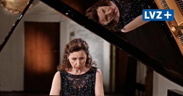 Angela Hewitt bekommt die Bach-Medaille der Stadt Leipzig und spielt die Goldberg-Variationen
