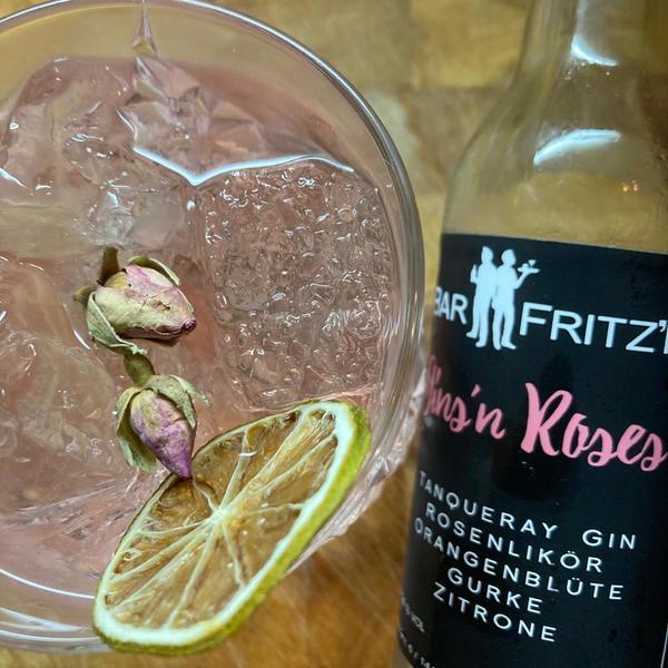 Gins'n Roses: Tolle Drinks für Zuhause. Foto: Saskia Kirf