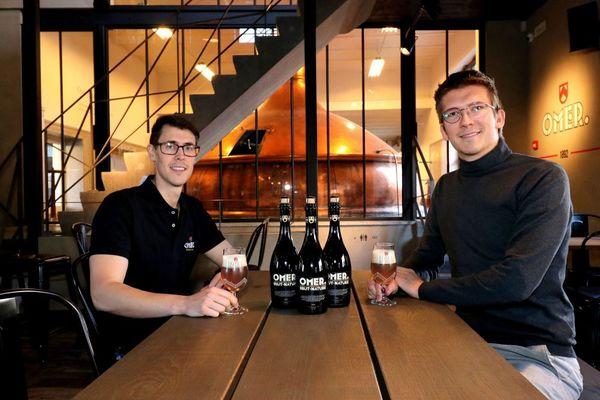"""Omer Vander Ghinste présente une nouvelle bière """"en édition limitée - Omer Vander Ghinste stelt nieuw 'limited edition' bier voor"""
