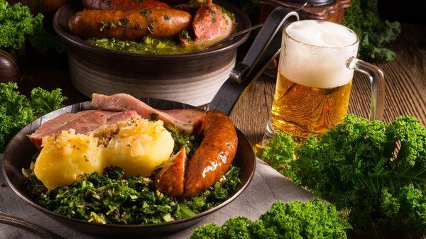 Grünkohl-Rezepte: Mit Bregenwurst und Kassler oder vegetarisch