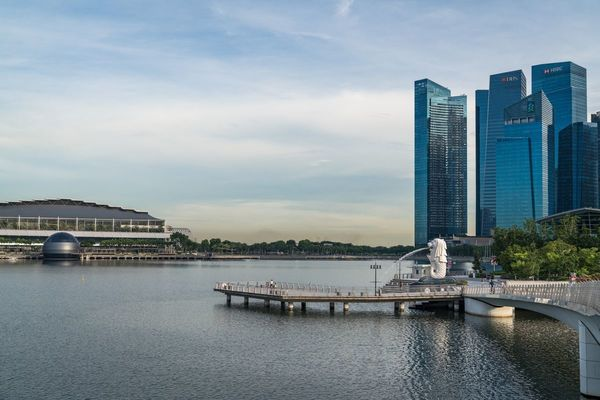 Mizuho to Cut Singapore Office Space on Work-From-Home Success