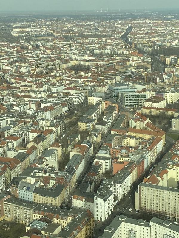 Berlin-Mitte, dahinter Prenzlauer Berg: Hier wird es jetzt erstaunlich günstig