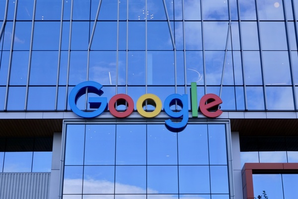 Google keeps growing in Seattle area, agrees to buy nearly 10 acres at a car dealership site in Kirkland