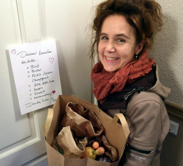 Sabine Kugler kauft für ihre Familie ein - auf Abstand. Foto: privat