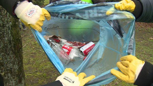 De Panne veut des taxes sur le plastique et les canettes - De Panne ijvert voor statiegeld op plastic en blikjes