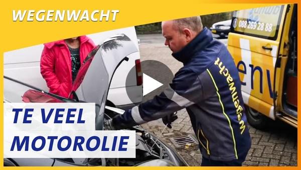 RIJPWETERING - Te veel motorolie is ook geen goed idee, Wegenwacht  Paul schiet Netty te hulp (video)