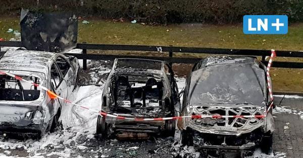Brandstiftung: Drei Autos gehen in Bad Schwartau in Flammen auf
