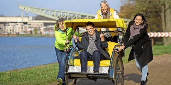 Rikscha-Projekt für Senioren: Radeln gegen die Einsamkeit