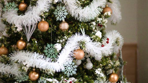 Diese mathematische Formel verhilft Ihnen zum perfekt geschmückten Weihnachtsbaum