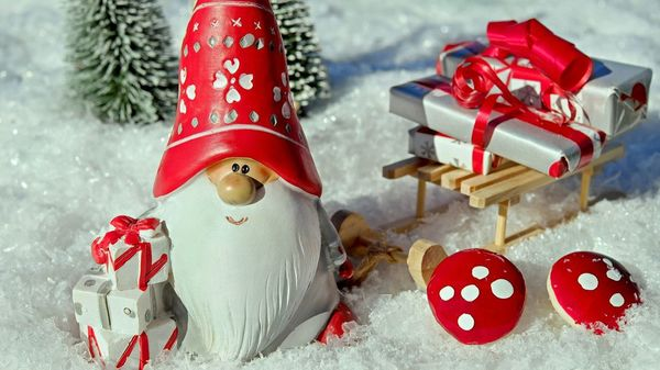 Wichteltür statt Adventskalender: Wie die Weihnachtsstimmung ins Kinderzimmer kommt