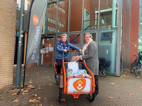 Westfriese Bibliotheken krijgen drie elektrische bakfietsen voor BestelBieb - Bibliotheekblad