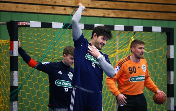 Auch die Handballer der Recken zeigen Übungen zum Nachmachen. (Foto: Maike Lobback)