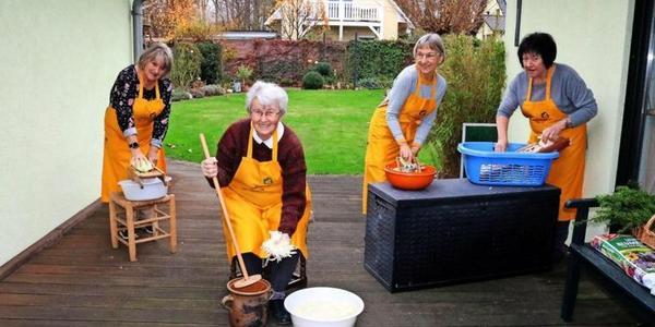 Sauerkraut selbst gemacht: Altes Handwerk lebt in Rerik und Roggow wieder auf