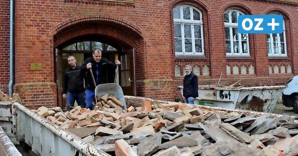 Bauleute machen alte Lassaner Schule wieder fein