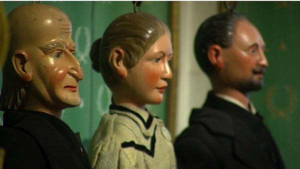 Tournai : l'enquête continue pour les Poriginelles du musée de la marionnette - Marionettenmuseum onderzoekt unieke collectie