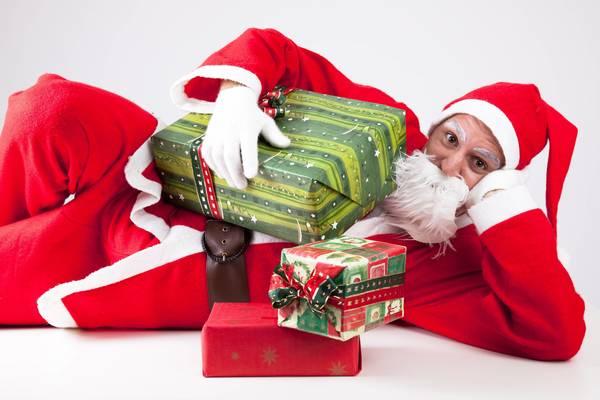 Nikolaus bringt Geschenke. Foto: Imago