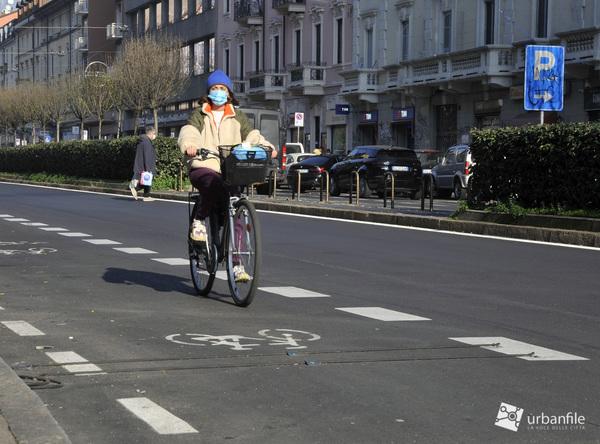 Parcheggi e ciclabile in Viale Monza