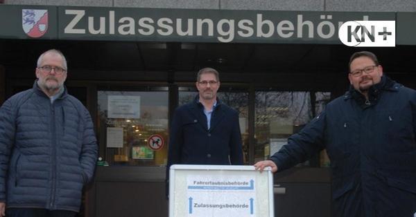 Rendsburg: Autofahrer sollen Fahrzeuge rechtzeitig anmelden