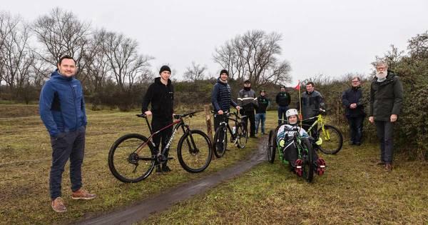 Les vététistes se voient proposer un parcours challengeant t à Nieuwpoort - Mountainbikers krijgen in Nieuwpoort een uitdagend parcours voorgeschoteld