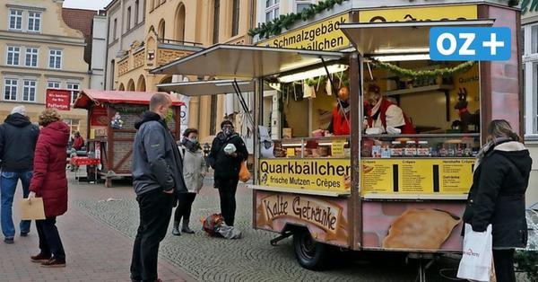 Statt Weihnachtsmarkt in Wismar: Das bieten die Buden am Marktplatz