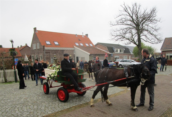Veehandelaar Aart Rijling in Rijnsaterwoude begraven