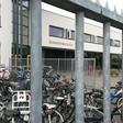 Ook bestuurder Henk van Tol wil dat de bibliotheek naar oude 'Bona' verhuist