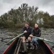 Bert en Jetske Mooren staken verzet tegen kap 86 bomen op Veenderdijk, Thijs Mooren gaat door