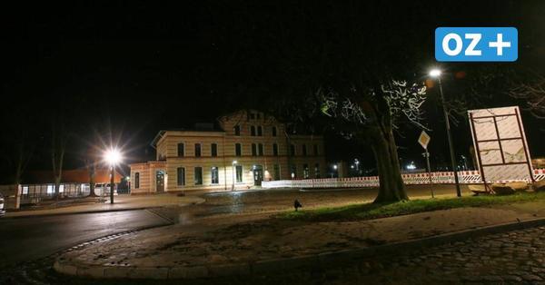 Lichtspiele mal anders: So faszinierend ist Grevesmühlen bei Nacht