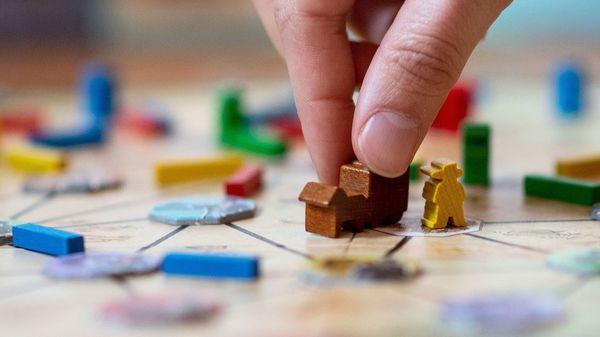 Brettspiele für Weihnachten und Silvester: Diese Gesellschaftsspiele lohnen sich an den Feiertagen